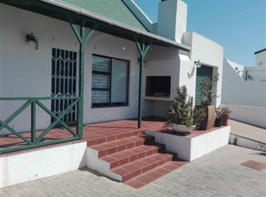 2 Bedroom House for Sale in Myburgh Park
