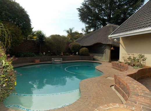 3 Bedroom House for Sale in Van Riebeeck Park
