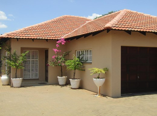 3 Bedroom Townhouse for Sale in Mookgopong