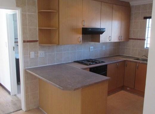 2 Bedroom Apartment to Rent in Brentwood Park
