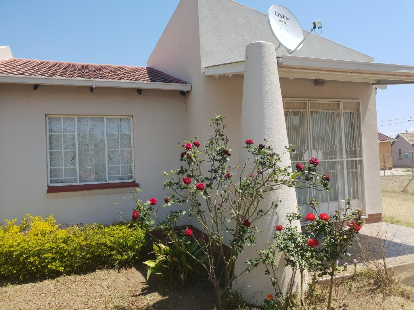 2 Bedroom House for Sale in Hyde Park