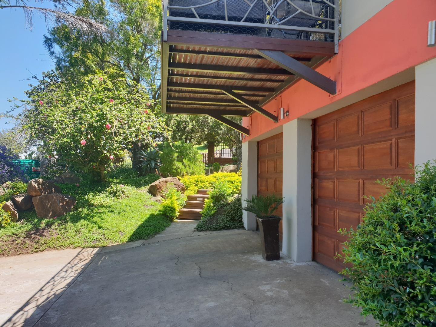 4 Bedroom House for Sale in Observation Hill