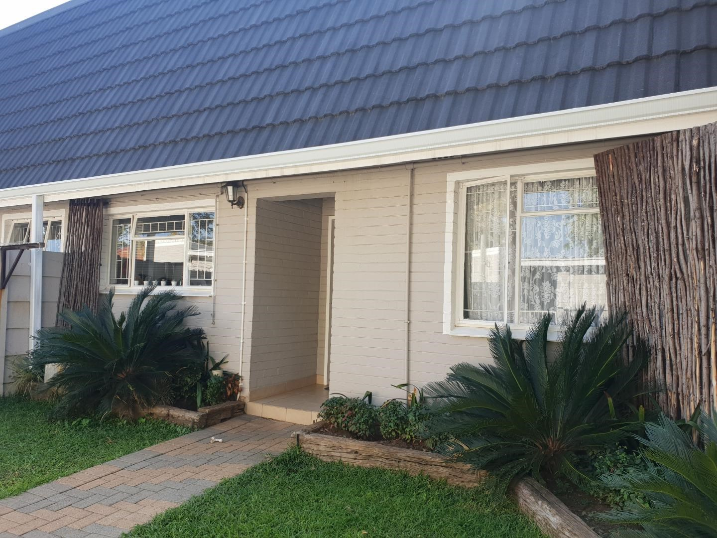 2 Bedroom Townhouse for Sale in Egerton