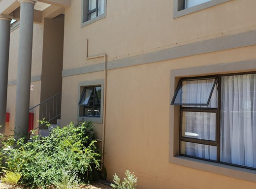 2 Bedroom Apartment for Sale in Aston Bay