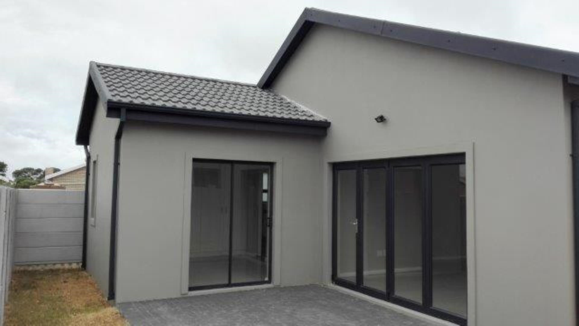 3 Bedroom House to Rent in Fairview