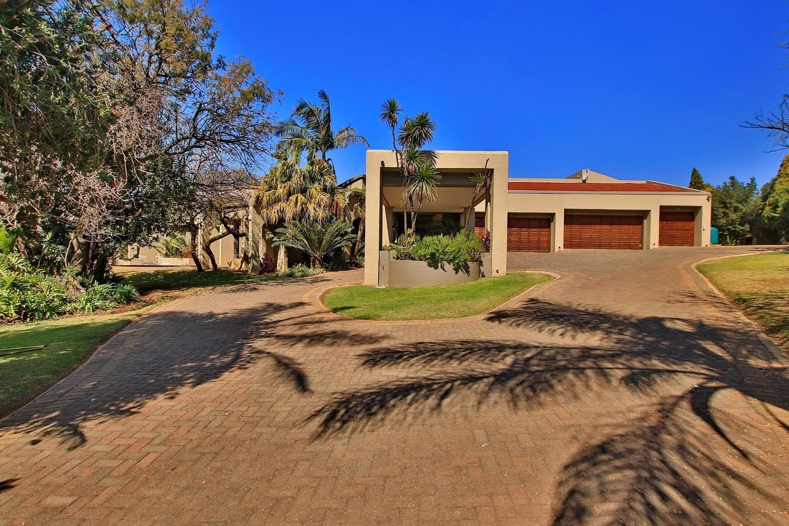 4 Bedroom House for Sale in Ruimsig