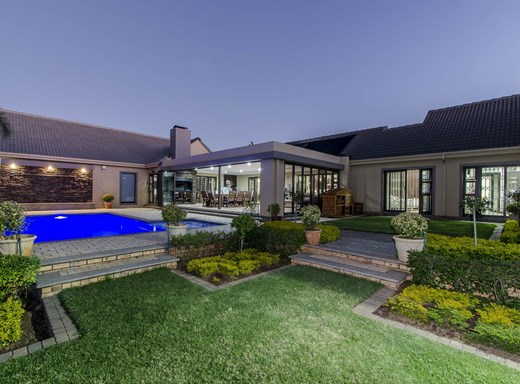 6 Bedroom House for Sale in Poortview
