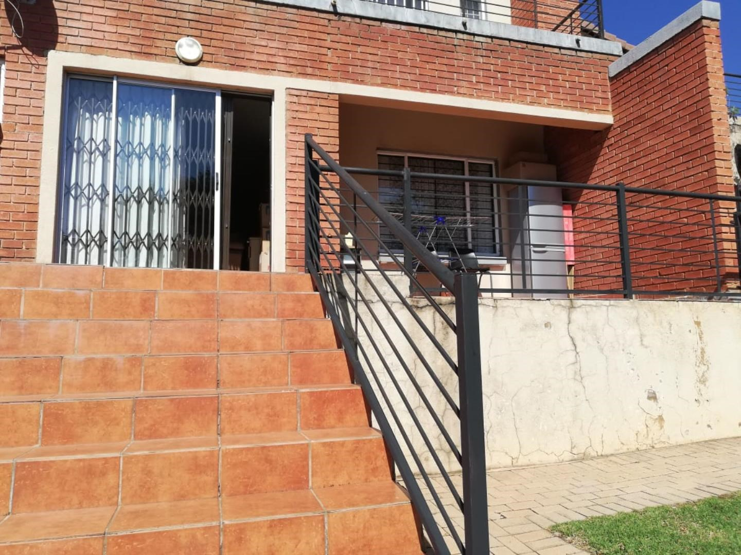 2 Bedroom Apartment to Rent in Willowbrook