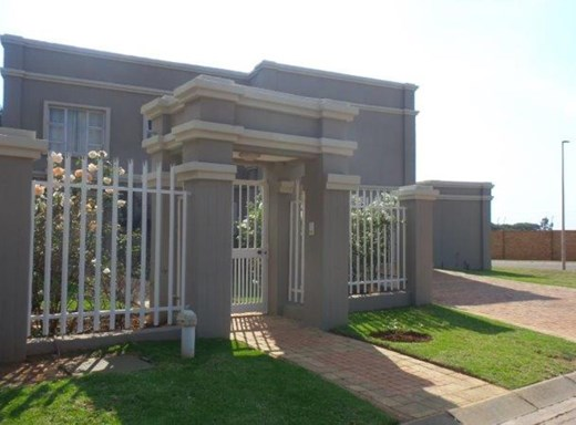 4 Bedroom House for Sale in Pinehaven