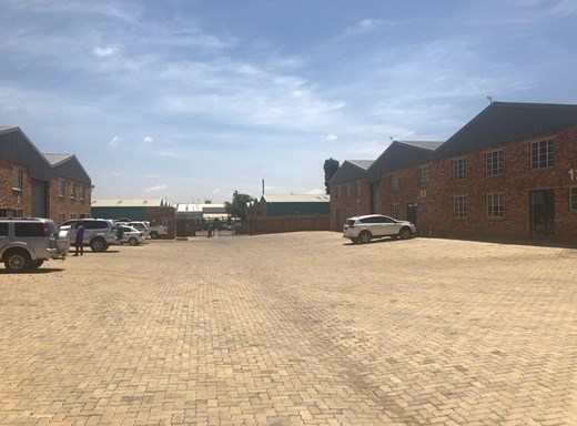 Industrial to Let in Dunswart