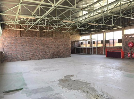 Industrial to Let in Wynberg