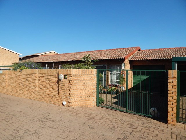 Rangeview Townhouse To Rent