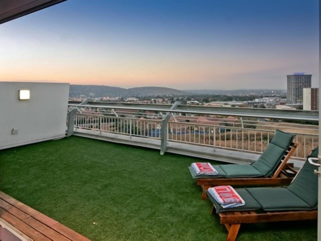 Bedford Gardens Penthouse To Rent