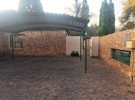 3 Bedroom Townhouse to Rent in Rietfontein