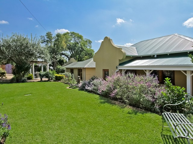 Thornhill House For Sale