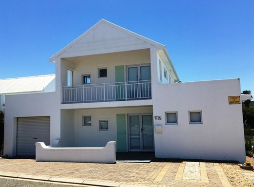 3 Bedroom House for Sale in Still Bay West