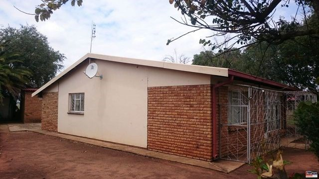 2 Bedroom House for Sale in Randlespark