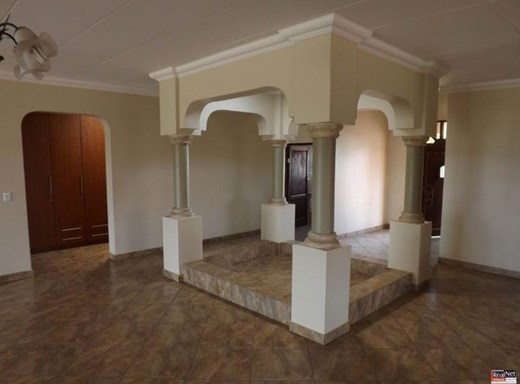 3 Bedroom House for Sale in Naaupoort