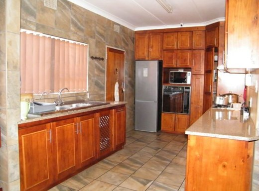 11 Bedroom House for Sale in Del Judor