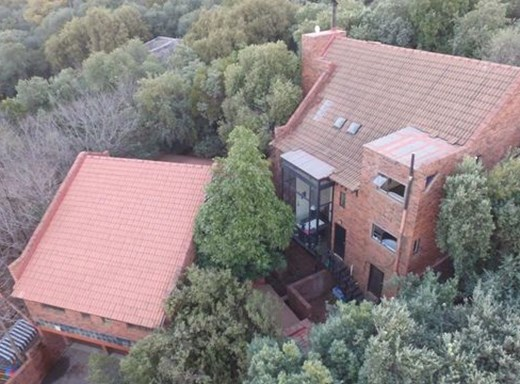 5 Bedroom House for Sale in Baysvalley