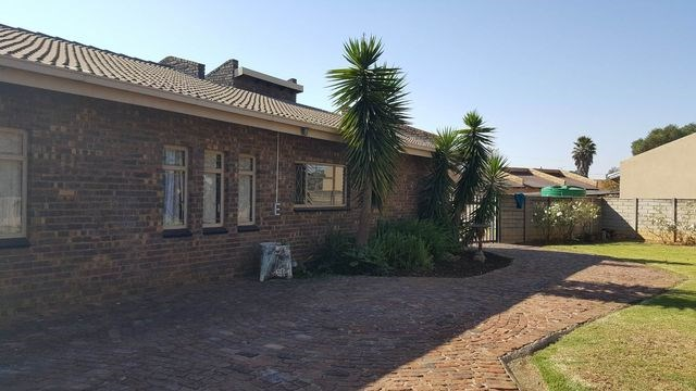 3 Bedroom House for Sale in Eloff