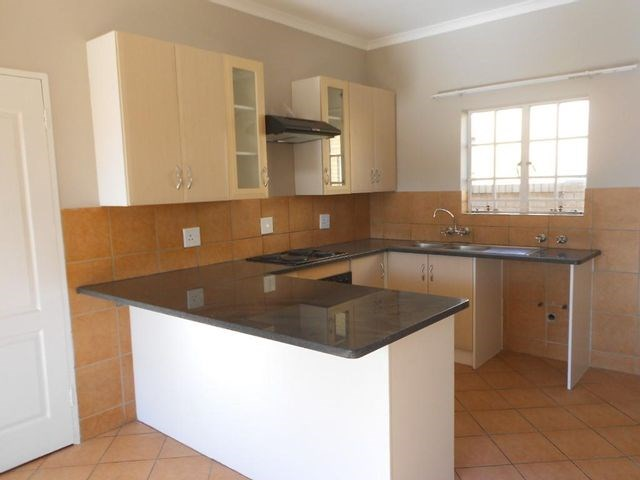 3 Bedroom Townhouse for Sale in Tasbet Park