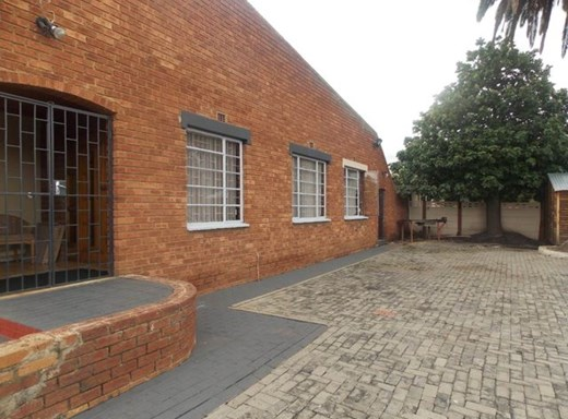12 Bedroom House for Sale in Witbank Central