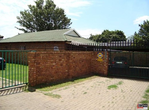 3 Bedroom Townhouse for Sale in Witbank