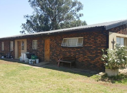 2 Bedroom House for Sale in Eloff
