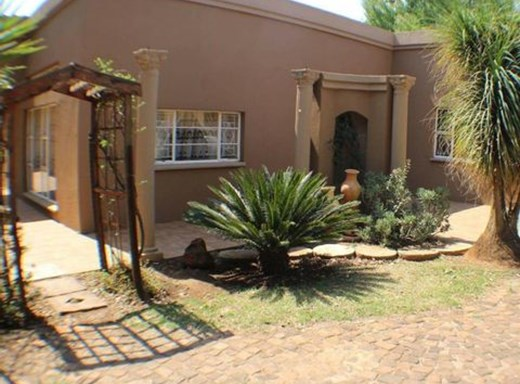 4 Bedroom Other for Sale in Eloff