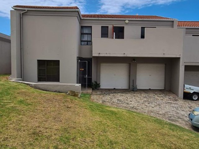 Central Jeffreys Bay Townhouse For Sale