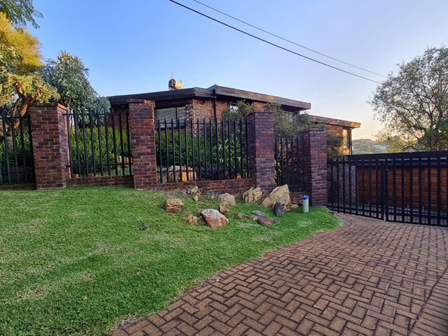 Kloofendal House For Sale