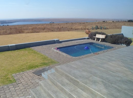 5 Bedroom House for Sale in Bankenveld