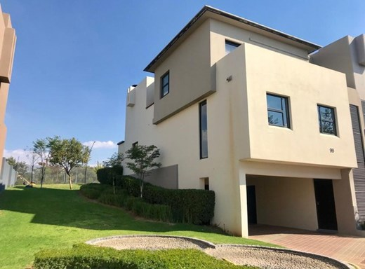 2 Bedroom Townhouse for Sale in Lombardy Estate