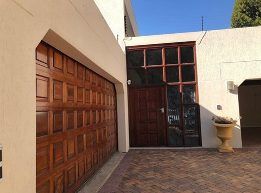 4 Bedroom House for Sale in Waterkloof