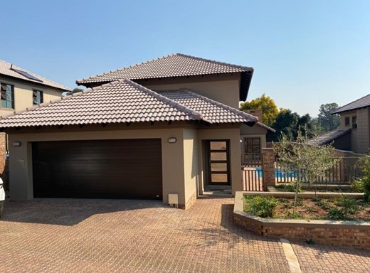 4 Bedroom Townhouse to Rent in Waterkloof Ridge