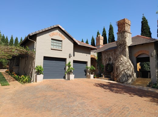 5 Bedroom House for Sale in Woodhill