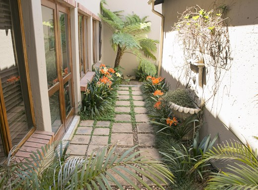3 Bedroom House for Sale in Rietvalleirand