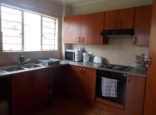 2 Bedroom Apartment to Rent in Reyno Ridge