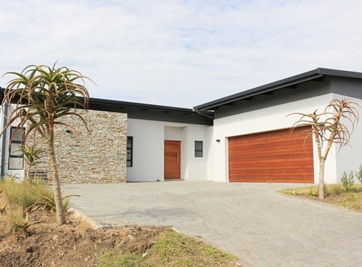 4 Bedroom House for Sale in Palm Lakes Estate