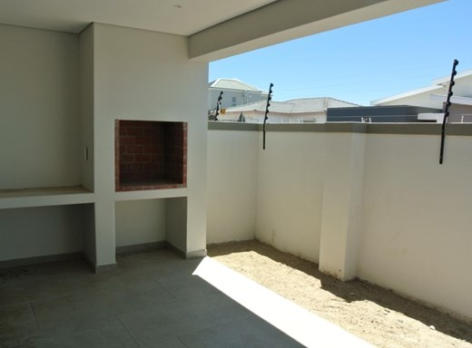 3 Bedroom House for Sale in Parklands North