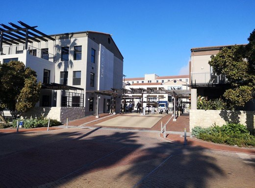 Office to Let in Century City