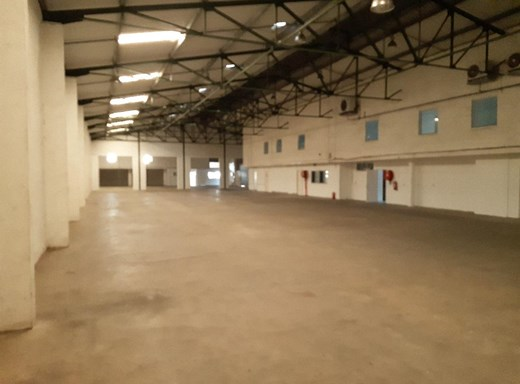Warehouse to Let in Mount Edgecombe
