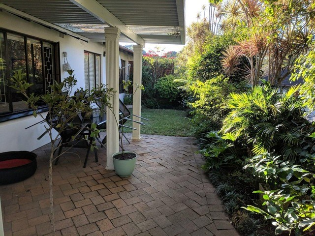 2 Bedroom Simplex for Sale in Cowies Hill Park