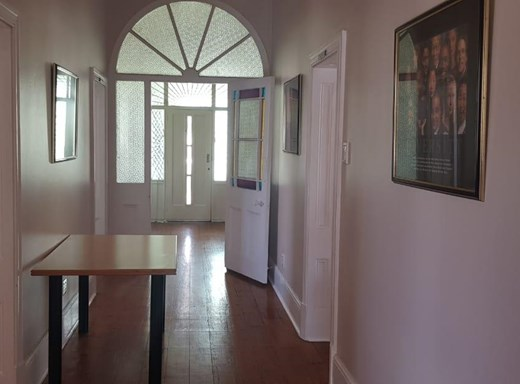 Office to Let in Vincent