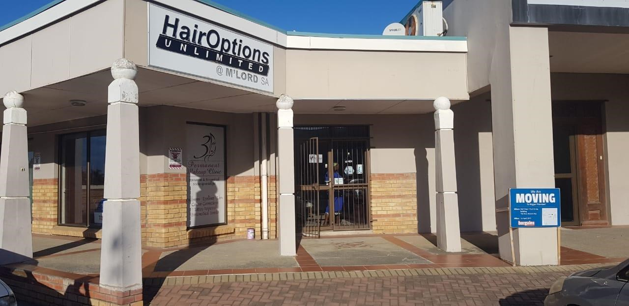 Retail to Let in Beacon Bay