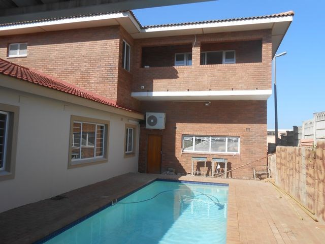5 Bedroom House for Sale in Bluff