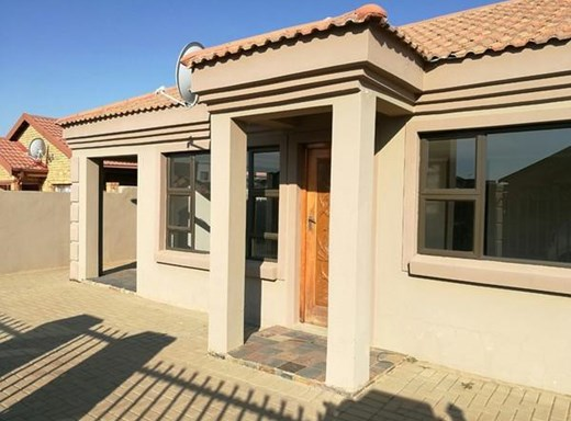 3 Bedroom House for Sale in Ehrlich Park