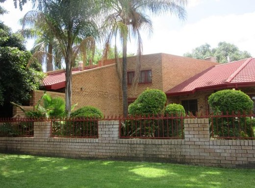 5 Bedroom House for Sale in Brits Central