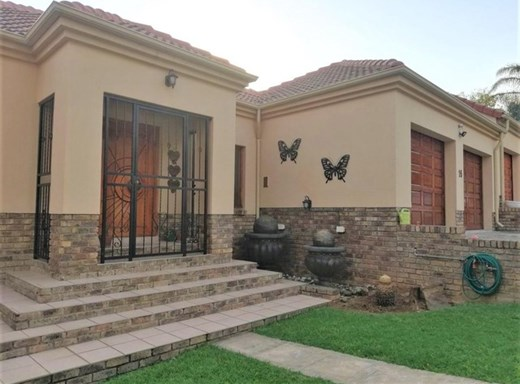 2 Bedroom House for Sale in Elandsrand